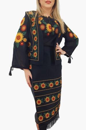 Costum Traditional Vesta si 2 Fote brodate cu model traditional 4