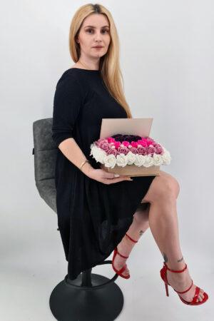 Set cadou     Trandafiri sapun     carte cu trandafiri multicolori